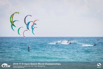 Surprise Leaders Take Honours at Start of Kite Racing Worlds in Italy